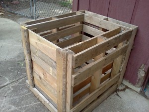 Turn pallets into a compost bin!
